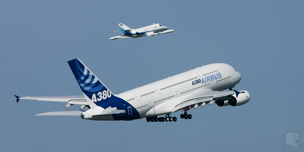 Airbus A380 & Corvette - First Flight
