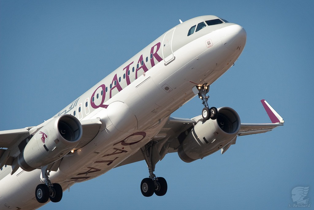 Airbus A320 Qatar with Sharklet