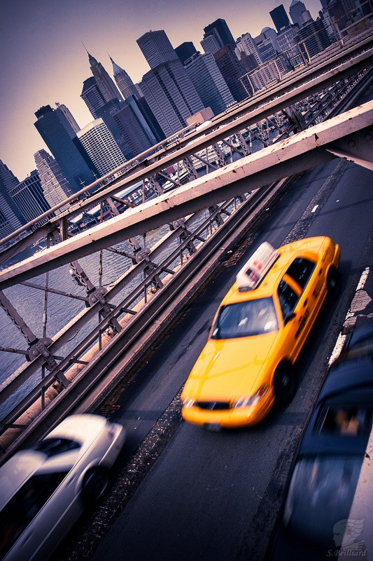 Brooklin Bridge Taxi