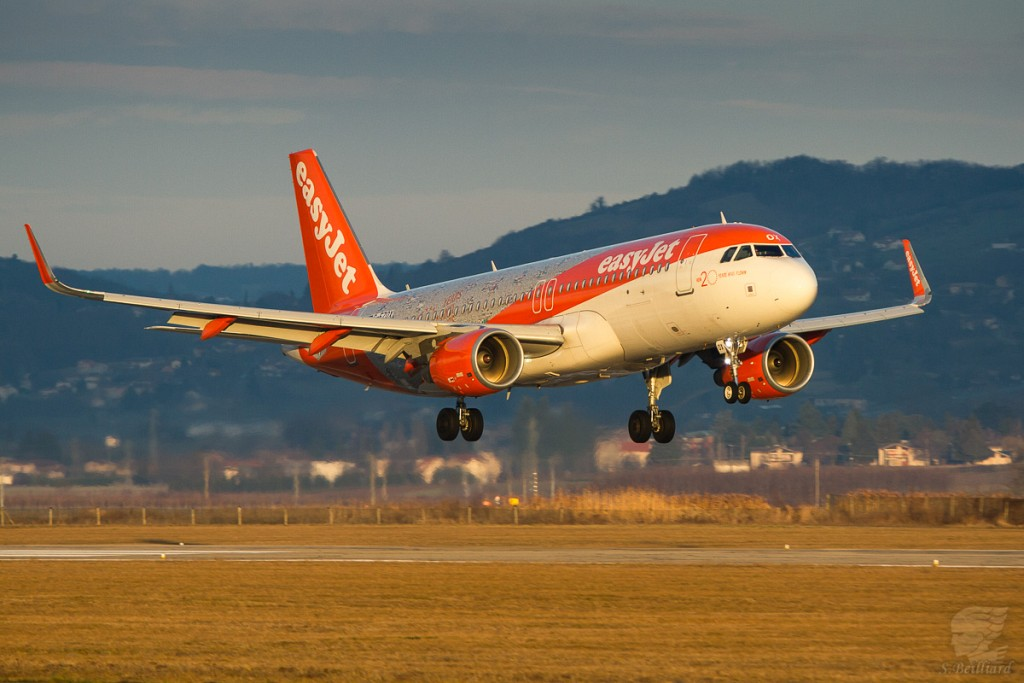 "A320 Easyjet ""20 years"""