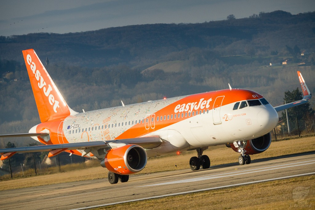 """Airbus A320 Easyjet """"20 years"""""""