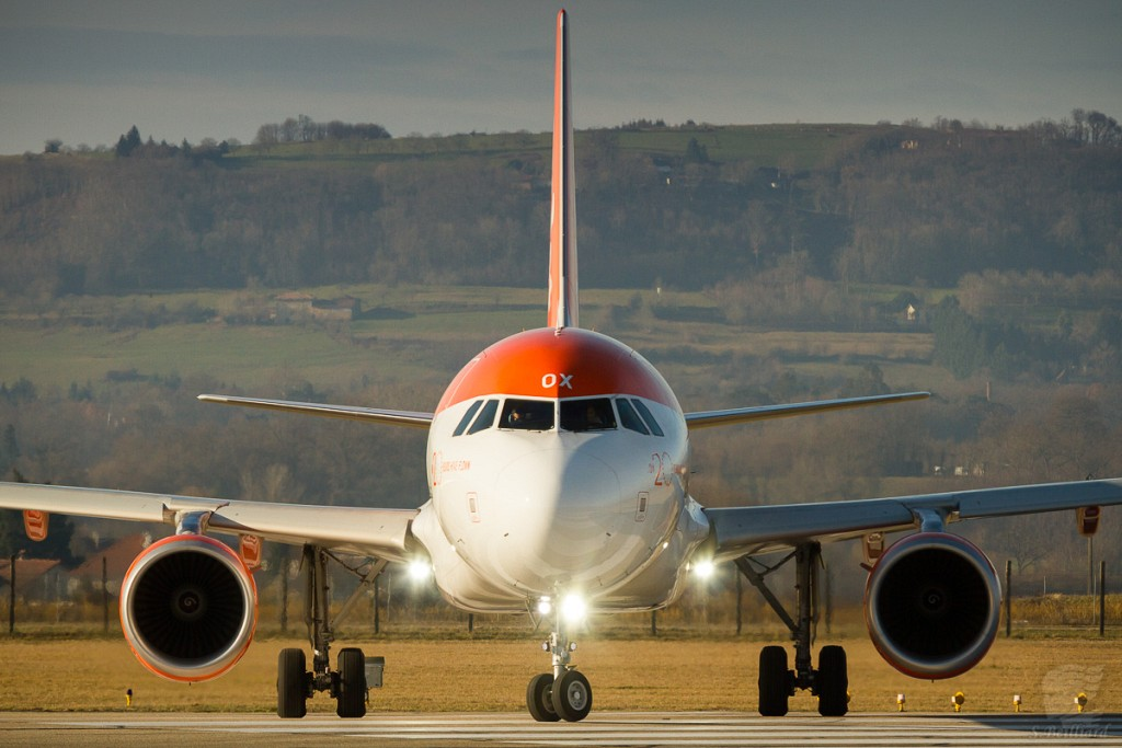 "Airbus A320 Easyjet ""20 years"""